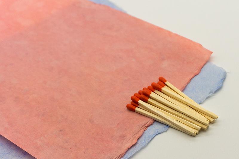 和紙とマッチ